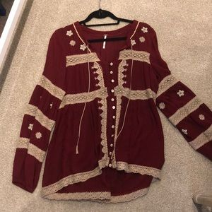 Free people top, perfect for fall!
